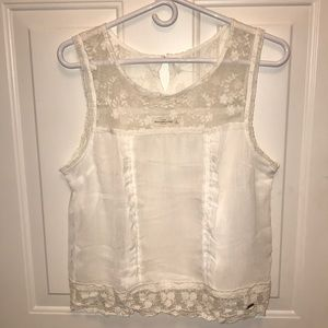 Abercrombie & Fitch Tops - Abercrombie & fitch white floral top